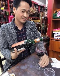 ROSSO NOBILE  AL CIOCCOLATA - CHOCOLATE WINE IN VIET NAM